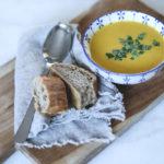 Gulerodssuppe med safran og hvidløg – varmende vintermad
