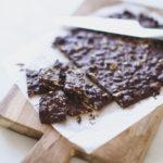 Chokoladebrud med pebrede saltmandler