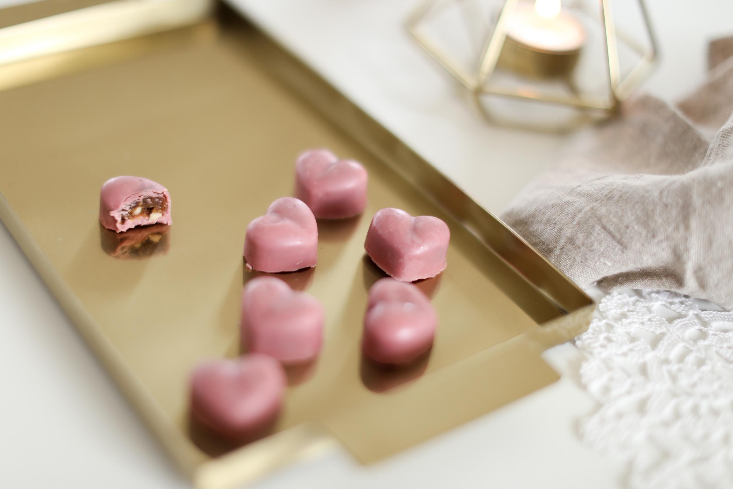 fyldte valentinschokolader med Ruby chokolade